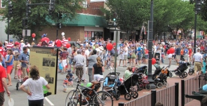 Street Scene on Barracks Row, July 4, 2013, 10:40 am