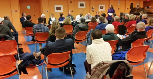 Some 35 residents turned out for a meet with 8 7-Eleven executives last night.  Co-organizer ANC Commissioner Krepp stands at upper right.