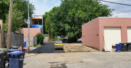 Tuesday, June 21, circa 10:00am, an alley feeding into Kings Court