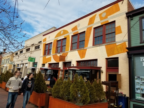 Last Thursday, Restorante Acqua Al 2 - across from Eastern Market - got a new paint job.