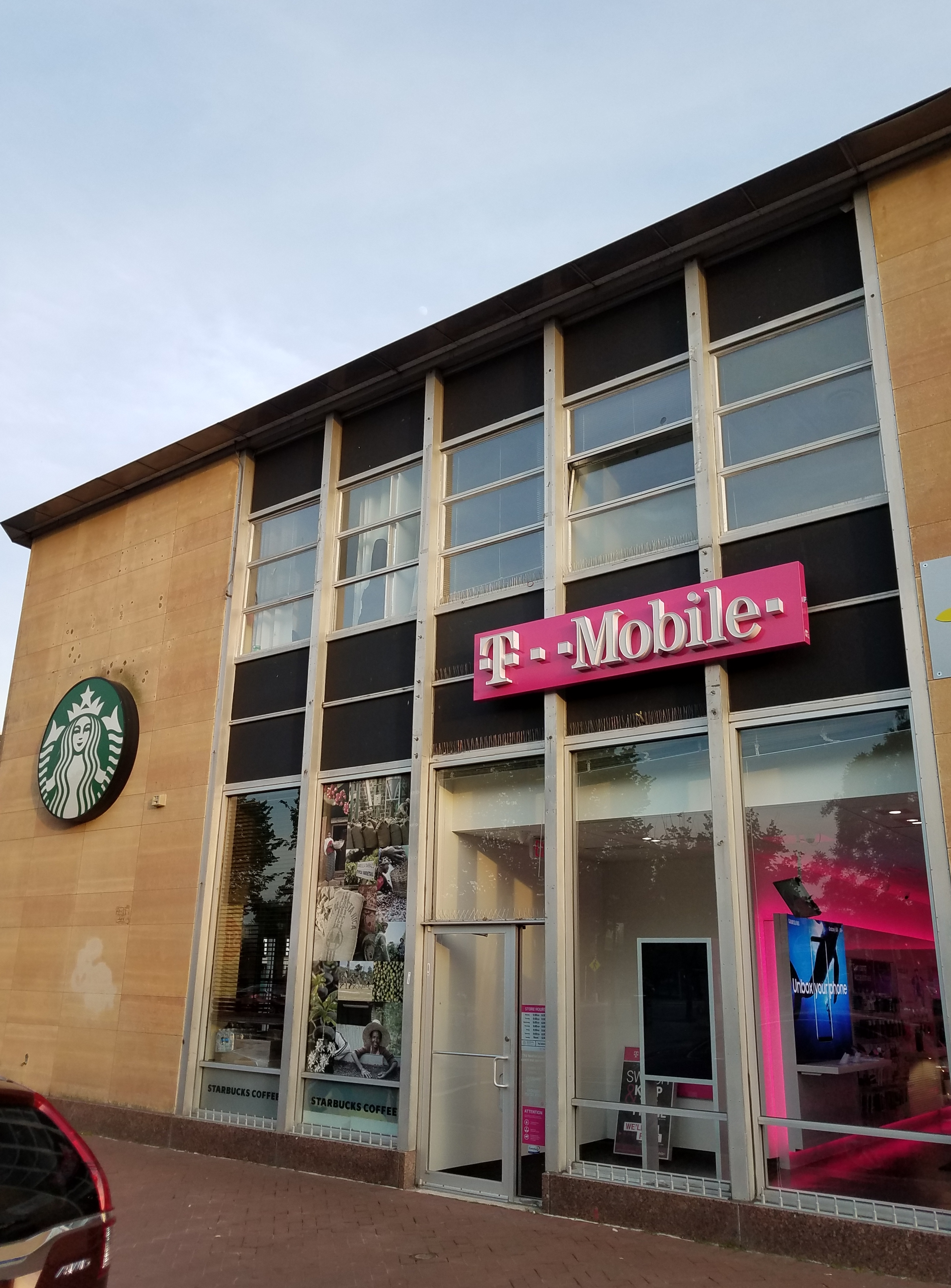 The Week Ahead T Mobile Now Open On Barracks Row Too Bad If